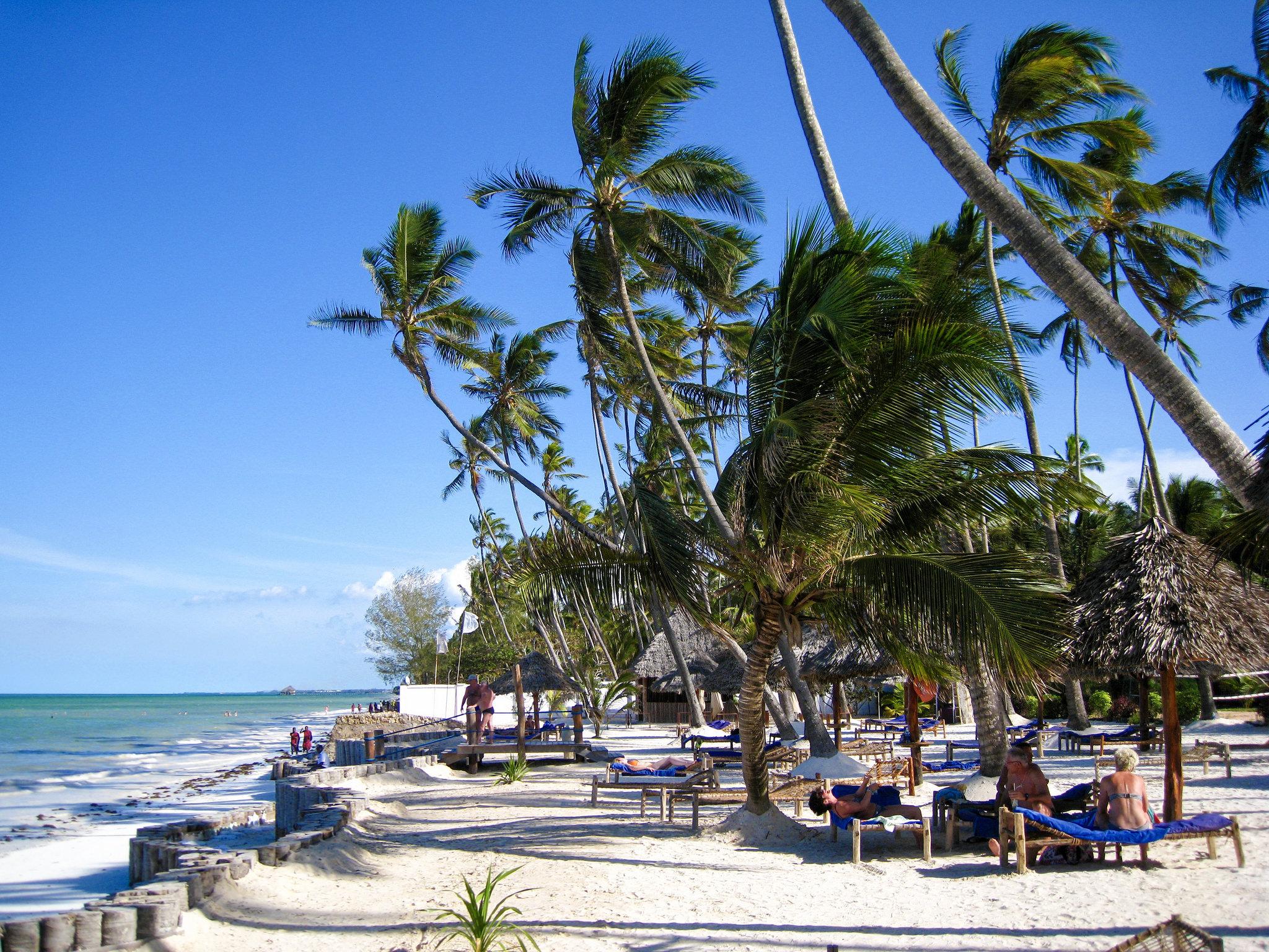 Earth Safari accommodation africa beach hotel